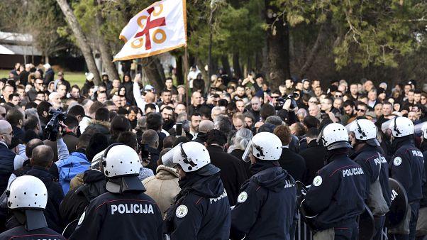 Karadağ: Parlamento'nun oylayacağı dini özgürlükler yasasına Karadağlı Sırp Ortodokslardan protesto