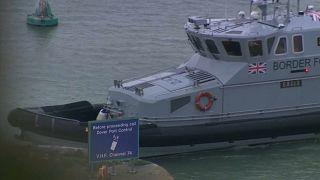 فيديو: اعتراض 71 مهاجرا غير شرعي في القنال الإنجليزي