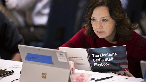 """شاهد: تدريبات خاصة لمسؤولي """"حماية"""" الانتخابات الأمريكية"""