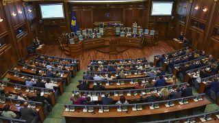 Με νέα Βουλή αλλά χωρίς κυβέρνηση