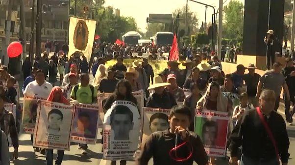 Los estudiantes desaparecidos en México podrían haber sido divididos y dispersados