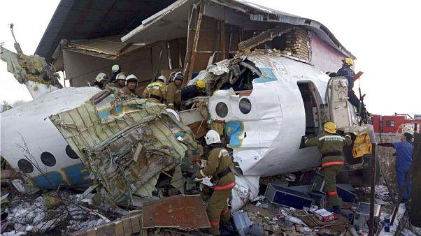 Flugzeugabsturz mit mindestens 15 Toten in Kasachstan