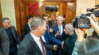 Karadağ'da Sırp kiliselerinin de 'devlet malı' sayılmasını öngören tartışmalı yasa kabul edildi