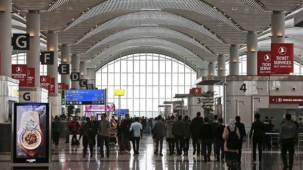 إعفاء جزائريين من تأشيرة الدخول إلى تركيا