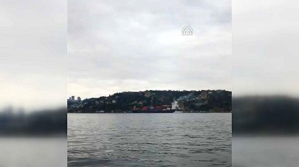 İstanbul Boğazı'nda kuru yük gemisi karaya oturdu