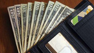 ABD: 26 yaşındaki bir kadın 77 yaşındaki eşinden 1 milyon dolar çalma suçundan tutuklandı