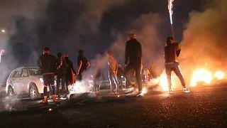 متظاهرون عراقيون يقطعون الطرق في مدينة البصرة احتجاجا على المترشحين لمنصب رئيس الوزراء-26/12/2019