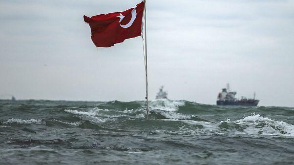 Accidente de un barco de carga fuera de control en Estambul