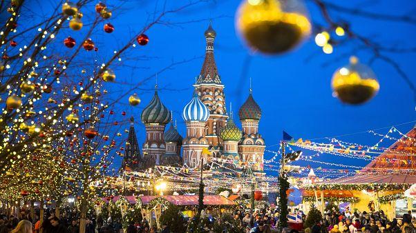 """Селедка под шубой и """"Ирония судьбы"""" в Новый год могут стать наследием ЮНЕСКО"""