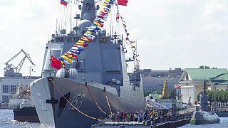 Irán anuncia a bombo y platillo sus maniobras navales con China y Rusia