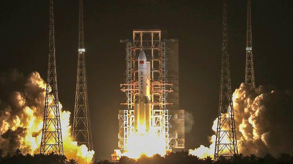 """صاروخ """"لونغ مارش 5"""" الصيني"""