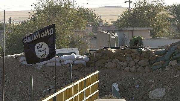 داعش يوجه رسالة للمسيحيين حول العالم .. وينشر فيديو لإعدام 11 مسيحيا في نيجيريا