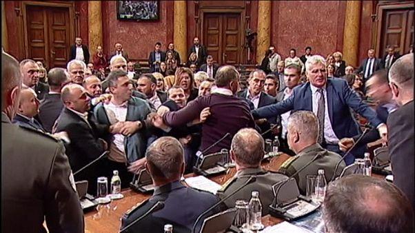 Потасовка в парламенте Сербии