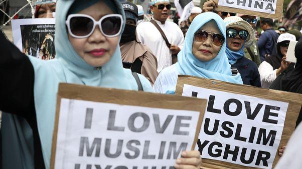 شاهد: مظاهرات عارمة في إندونيسيا تنديدا بانتهاكات الصين بحق مسلمي الإيغور