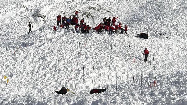 Miracle de Noël en Autriche : il survit 5 heures à une avalanche