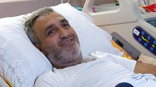 Kolon kanseri hasta Murat Kara (40) 'yüksek riskli' tadavi yöntemiyle sağlığına kavuştu