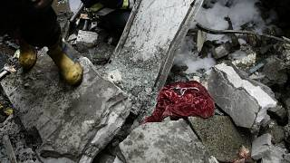 مصرع 6 أشخاص بينهم أجانب وإصابة 24 آخرين جراء تصادم حافلتين وشاحنة في مصر