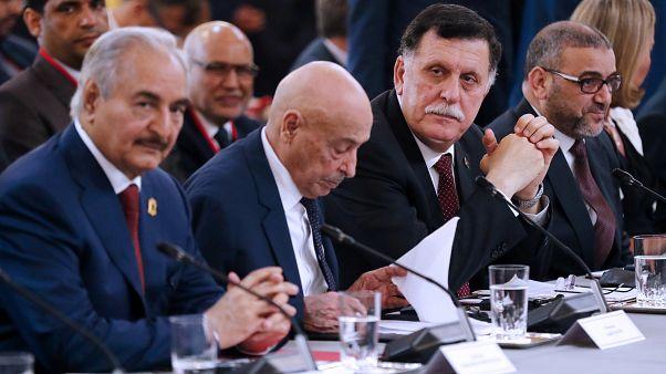 حفتر والسراج في موسكو لتوقيع اتفاق لوقف إطلاق النار في ليبيا