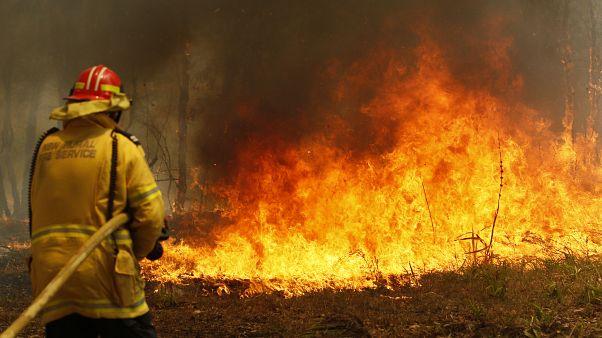 Pénzügyi kompenzációt kapnak az ausztrál önkéntes tűzoltók