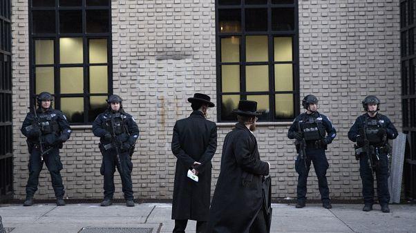 """بعد اعتداء نيويورك .. ترامب يدعو إلى """"اجتثاث آفة مناهضة السامية"""""""