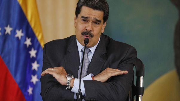 مادورو يطلب من البرازيل إعادة خمسة جنود فنزويليين