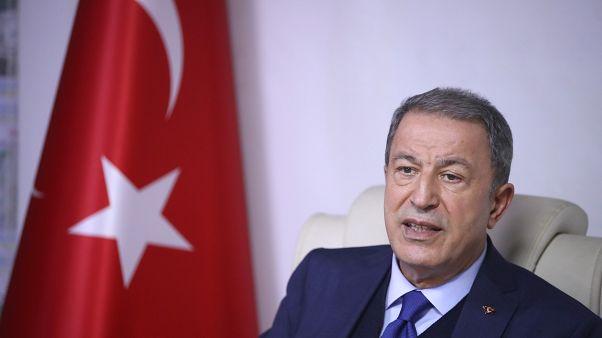 Milli Savunma Bakanı Hulusi Akar, beraberinde TSK komuta kademesi ile sınır birliklerine inceleme ve denetlemelerde bulunmak üzere Hatay'a geldi.
