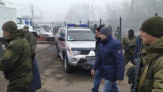 Ukrayna'nın doğusunda ordu güçleri ile Rusya yanlısı isyancılar arasında esir takası yapıldı