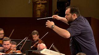 Lett karmester vezényli a bécsi újévi koncertet