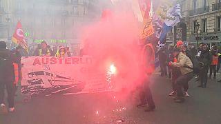 """Акция """"желтых жилетов"""" в Париже"""