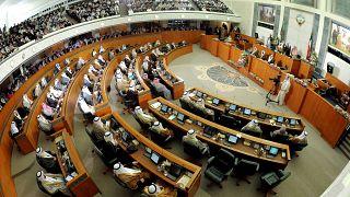 الكويت تؤكد احترامها لسيادة إيران