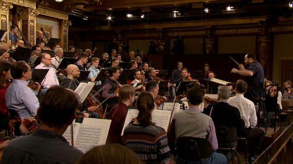 La Orquesta Filarmónica de Viena y el director Andris Nelsons