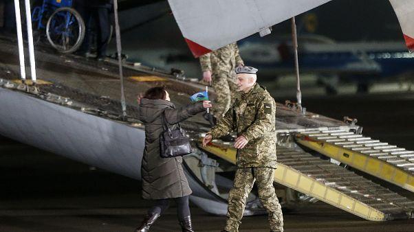 Fogolycsere Kelet-Ukrajnával: 203 ember szabadult a fogságból