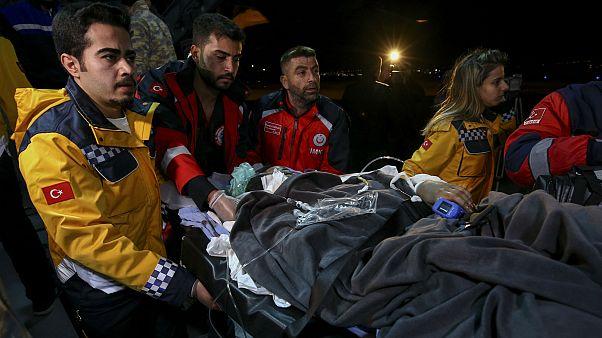 Somali'deki bombalı saldırıda yaralananlar tedavi için Türkiye'ye getirildi