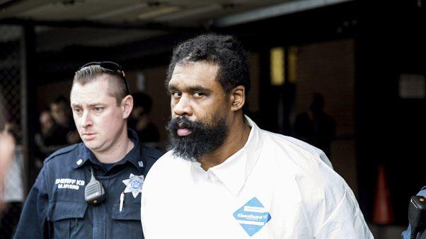 Grafton Thomas, suspecté d'une attaque antisémite à New York, est escorté par la police