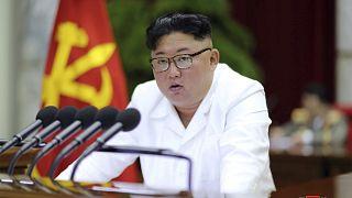 """Kuzey Kore lideri Kim Jong Un, ülkesinin güvenliği ve egemenliğini korunması için """"aktif ve saldırgan tedbirler"""" talep etti."""