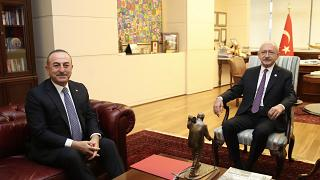 Dışişleri Bakanı Mevlüt Çavuşoğlu, CHP Genel Başkanı Kemal Kılıçdaroğlu ile Libya tezkeresi konusunda bilgilendirme yapmak için CHP Genel Merkezi'nde görüştü