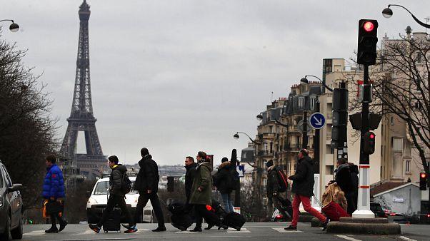 Komoly gazdasági veszteségekkel jár az elhúzódó francia sztrájk