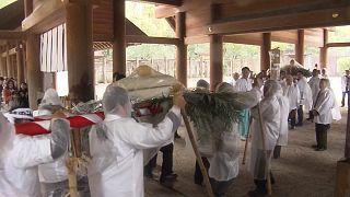 Bolos de arroz gigantes para abençoar as colheitas