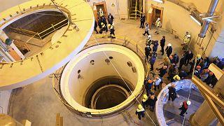 وكالة الطاقة الذرية تتبنى قراراً ينتقد إيران بشأن برنامجها النووي (دبلوماسيون)