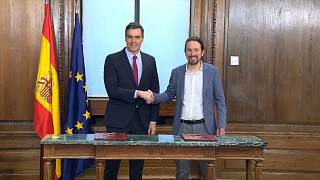 Spagna: firmato  un dettagliato accordo di governo fra PSOE e UP