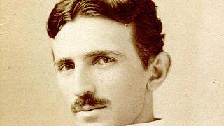 A legendás feltaláló, Nikola Tesla életét mutatja be az új musical, a Végtelen energia