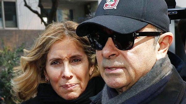 Nissan eski patronu Carlos Ghosn eşi Carole ile Tokyo'da