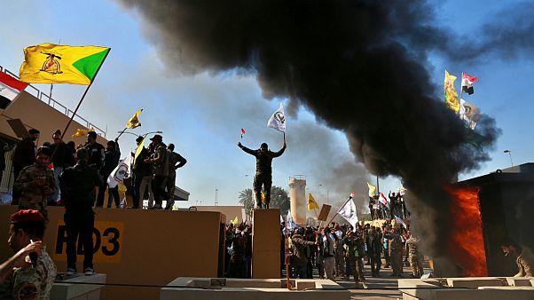 حمله به سفارت آمریکا در بغداد؛ ترامپ ایران را به سازماندهی معترضان متهم کرد