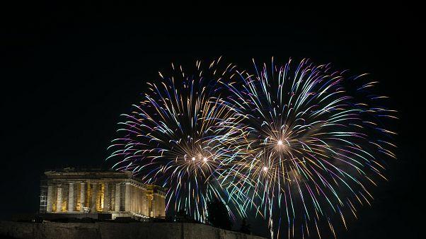 Πυροτεχνήματα στον ουρανό της Αθήνας