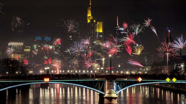 Η υποδοχή του νέου έτους στις ευρωπαϊκές πόλεις