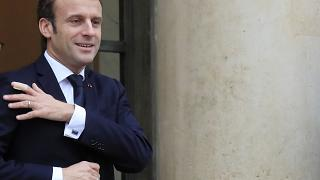 Emmanuel Macron fala esta noite e manifestantes esperam respostas