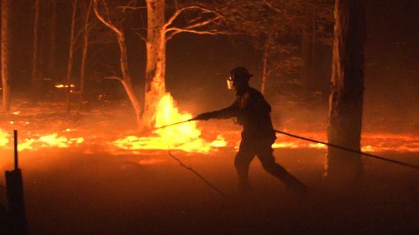 Flammeninferno in Australien spitzt sich zu