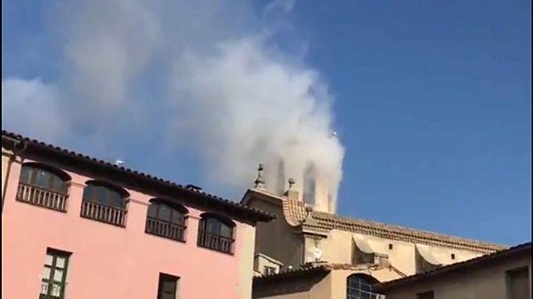 حريق بكنيسة في كتالونيا يؤدي لإصابة 14 شخصاً أثناء احتفالات رأس السنة