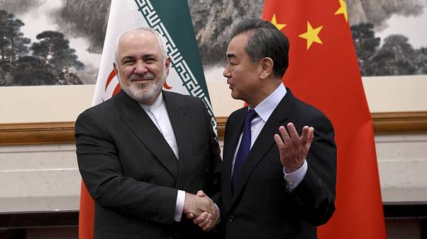وزیر خارجه چین در دیدار با ظریف: باید مقابل اقدامهای قلدرمآبانه ایستاد