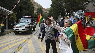 LA PAZ-BOLIVIA MANIFESTANTES  PROTESTANEN INMEDIACIONES DE LA RESIDENCIA DE MEXICO EN LA CIUDAD DE LA PAZ. 12-30-19 AP PHOTO/STRINGER